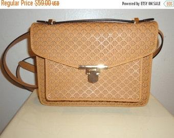 ON SALE Beautiful Vintage Must See Crossbody/Shoulder Bag