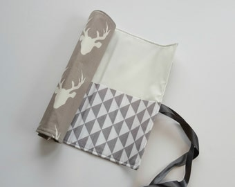 Makeup Brush Roll in Grey Stag head
