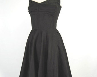 The Onyx Vinage Reproduction Swing Dress
