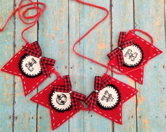 Small Bunting / Bunting / Love Bunting / Felt Bunting / Small Flags / Love Banner - Handmade and design in felt