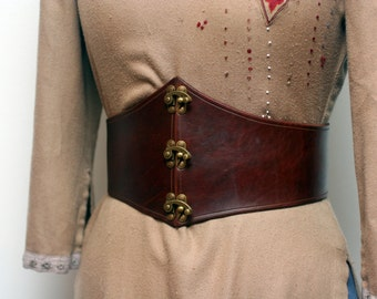 Leather Waist Cincher with Swing Clasps
