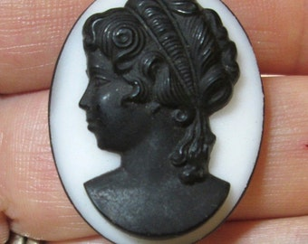 Vintage Black and White Glass Cameo
