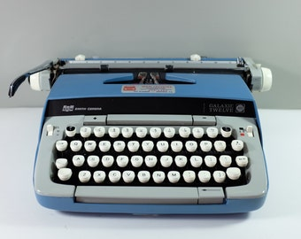 Vintage Smith Corona Blue Galaxie Twelve typewriter / Vintage typewriter / Blue Galaxie Twelve Corona typewiter working condition, like new