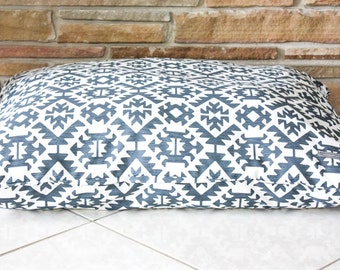 "Dog Bed ""The Aztec Mod"" flat style"