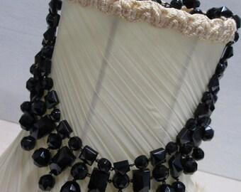 Vintage choker, vintage necklace, Black beaded vintage choker, vintage jewellery.