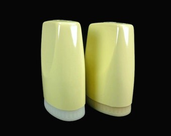 Boontonware Yellow Salt and Pepper Shakers Made in USA Vintage Kitchen Picnic Camping