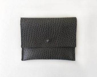 Travel pouch / Grey ostrich faux leather