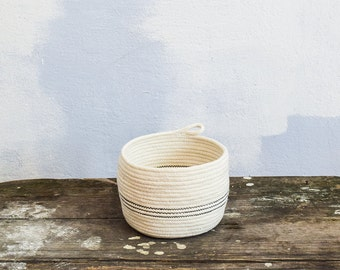 Small rope basket