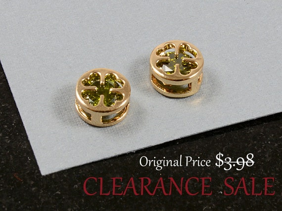 Clover Charm/ Gold Clover Pendant with Green Olivine Rhinestone in Gold Plating - 2 pcs/ order