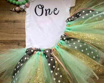 First Birthday tutu set. This set includes onesie,tutu, and headband.