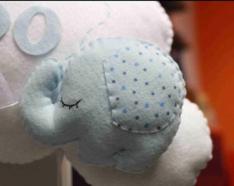 "Stitchable ""speech bubble with little elephant"""