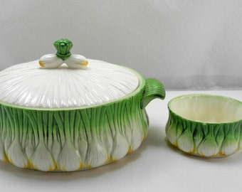 L'oignon Serving Dish/Lid and French Onion Soup Bowl - Signed by Georges Briard
