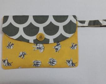Cute Handmade Clutch (your choice of fabric!)