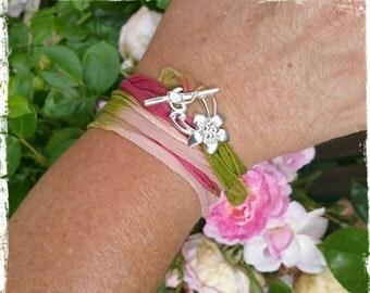"Bracelet ""Silk"" Collection. Rose"