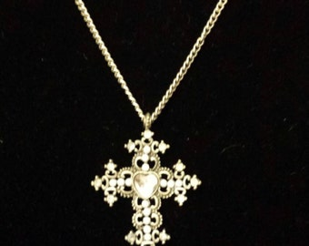 Beautiful and Simple Cross Necklace!