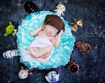 Crochet Newborn Princess Leia Hat/Star Wars Inspired/Newborn Photo Prop/Infant Halloween Costume/Baby Shower Gift/Star Wars Cake Smash