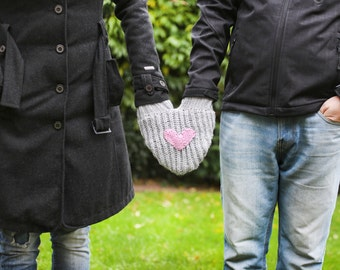 Mitten for him and her, Couple mitten, Romantic gift, Gift for the couple, Anniversary gift, Heart smitten glove