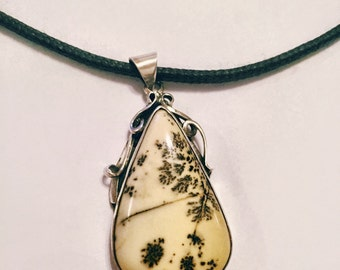 Silver Pendant with Plume Agate