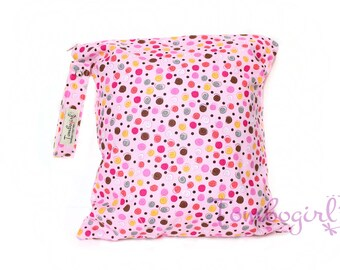 Waterproof bag / Wet Bag Small or Medium size Australian made, zip, with snap open strap – Spots Pink