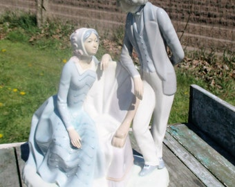 Large Casades Spain Figurine Victorian Couple Blue White Porcelain Marked