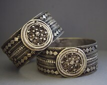 "TWIN BEAUTIES stunning pair of rare matched old Yemen bangles, upper-arm bracelets (""damlaj""), silver filigree, Saada governorate, ethnic"