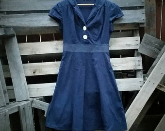 Vintage 1940s Blue and White Sailor Dress (Size 7)