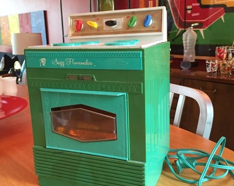 Vintage Suzy Homemaker Toy Oven