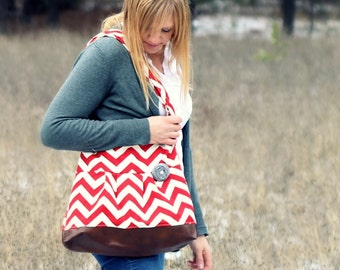 Red Chevron Concealed Carry Messenger Bag, Diaper Bag Style, Conceal Carry Handbag, Concealed Carry Purse, Conceal