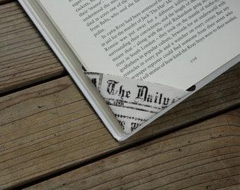 2 corner bookmarks - Vintage newspaper