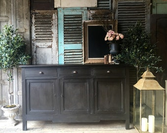 Lovely vintage French hall table / sideboard / cabinet