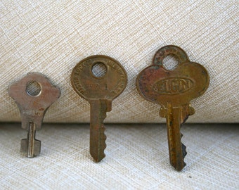 Old Small Luggage Keys Assemblage Supplies Necklace Making Mixed Media Supply