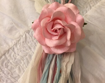 Shabby chic door knob flower decor