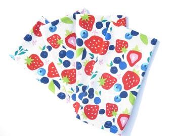 Strawberry Cloth Napkins, Set of 4 or 6, Blueberry Cloth Napkin, Strawberry Kitchen Decor, Fruit Cloth Napkin, Strawberry Bridal Shower Gift