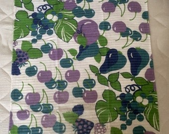 Cloth vintage 70 cotton, fruit decoration and cherries, pears, strawberries, grapes leaves