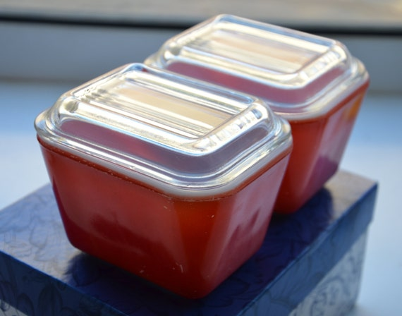 Vintage 501 Small Red Glass Pyrex Refrigerator Dish With Lid