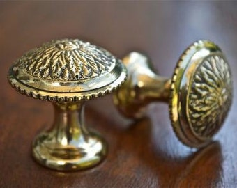 A pair of superb Regency style screw in brass furniture drawer knobs 1 1/2 inch 2015
