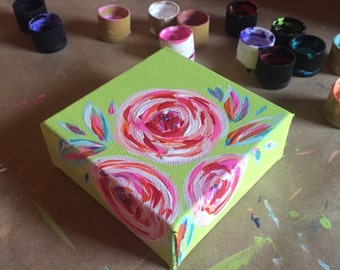Mini Floral Paintings - The Perfect Addition to Your Home!