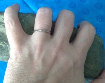 SALE! 10k White Gold Wedding Band / Guard Ring -- Size 6.5