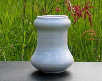 White stoneware vase. Decorative ceramic vase. H.17cm pottery vase. By Mary Thomas