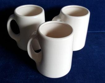 lot of 3 vintage coffee mugs modern design
