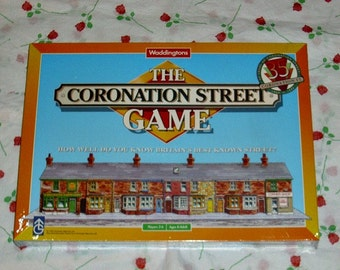 The Coronation Street Game British TV Soap Memorabilia Waddingtons Board Game Caricature Playing Pieces & Tokens Corrie Trivia 35 Years
