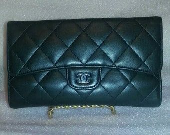 CHANEL YEN WALLET Black Quilted Leather Flap clutch PocketBook Purse Shw