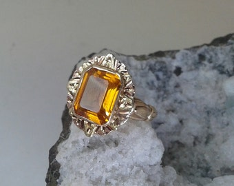 Vintage 10k Yellow Gold Citrine Ring *November Birthstone*