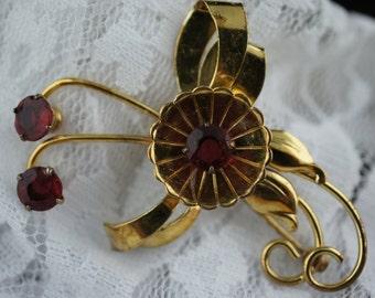 Iskin 1/20 10K G.F Art Deco Jewelry flower brooch circa pin red rhinestones cz  gold filled vintage jewellery U034