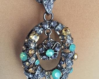 Necklaces style retro