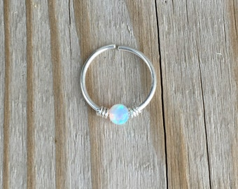 Nose ring with opal bead. 10 mm.