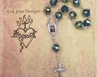 Pocket rosary / green crystal beads / tenner rosary / single decade rosary / wire-wrapped / unbreakable rosary