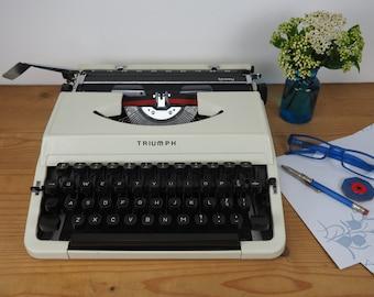 vintage typewriter Triumph Tessy in good vintage condition