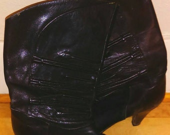 Vintage 80's leather ankle boots