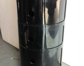 Kartell stackable containers Anna Castelli Ferrieri